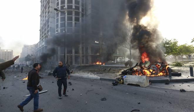 Foto: Libanul în doliu. Dublu atentat sinucigaș la Beirut
