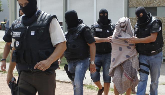 """Foto: Atentat dejucat în Franța. Fillon: """"Eu eram ținta presupușilor jihadiști arestați"""""""
