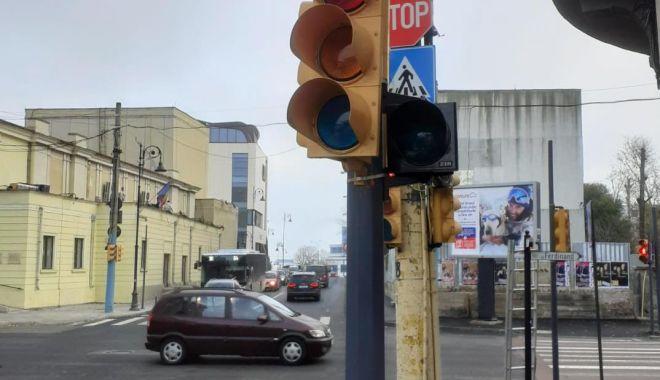 Foto: Atenție! Semafoarele dintr-o mare intersecția din Constanța nu funcționează