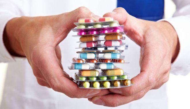 Atenție la tratamente! Ce reacții adverse pot avea medicamentele fără prescripție!
