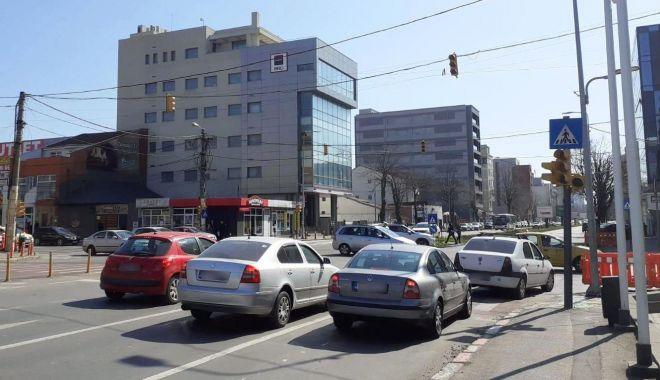 Foto: Atenție, șoferi! Semafoarele de la Delfinariu nu funcționează!