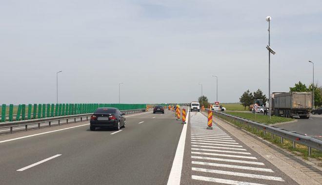 Circulație deviată pe Autostrada Soarelui. Se toarnă asfalt - atentiesoferiautostrada-1589800325.jpg