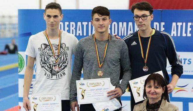Atleții de la CS Farul Constanța s-au întors victorioși de la Pitești. Câte medalii au cucerit - atletismmedaliifond-1564687058.jpg