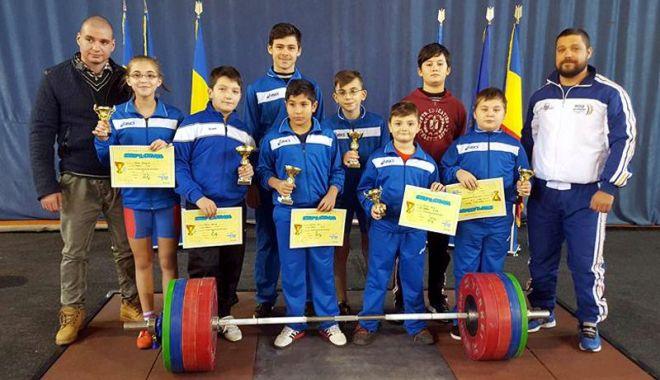 """Foto: Aurel Tătaru, """"părintele"""" halterofililor de la CS Farul Constanța"""