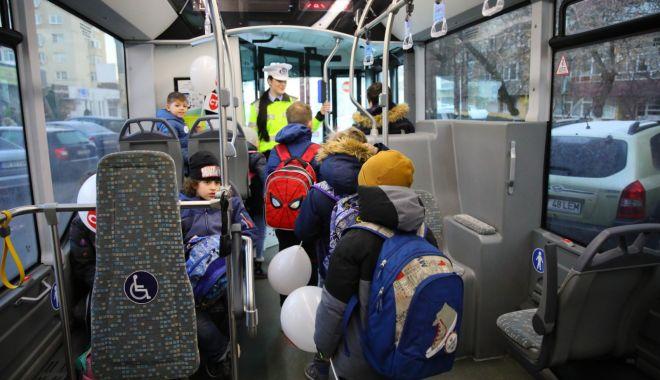 Galerie foto. Autobuzele școlare au intrat pe trasee, în Constanța - autobuze-1581928177.jpg