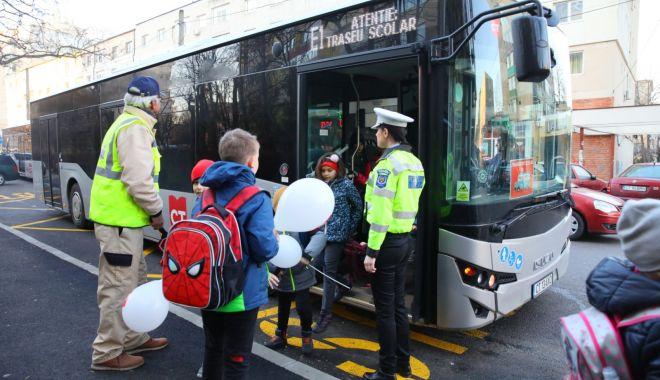 Galerie foto. Autobuzele școlare au intrat pe trasee, în Constanța - autobuze4-1581928301.jpg