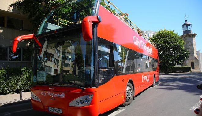 Foto: Cum circulă autobuzele etajate CT Bus