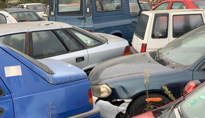 Foto: Autovehiculele abandonate pe domeniul public vor fi valorificate!