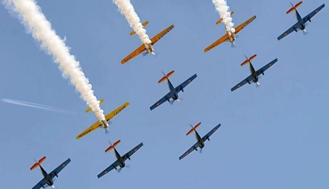 Cum este sărbătorită Ziua Aviației Române și a Forțelor Aeriene - aviatie-1595228395.jpg