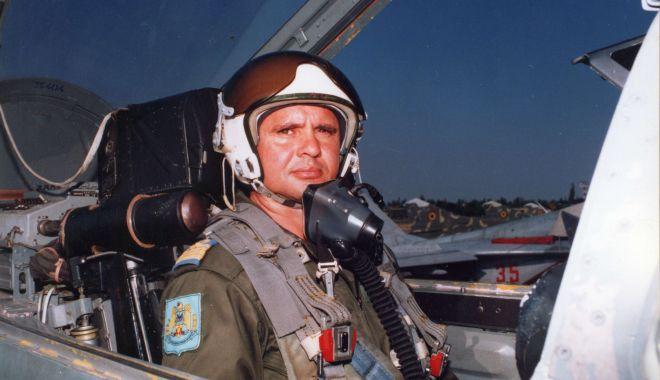 Piloți de elită, pe MiG-29. Aterizare de noapte, în condiții grele! (II) - aviatori2-1554993078.jpg