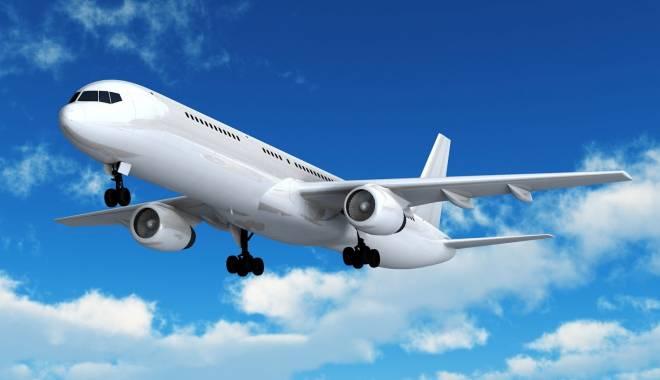 Foto: Om de afaceri român, găsit mort în toaleta unui avion