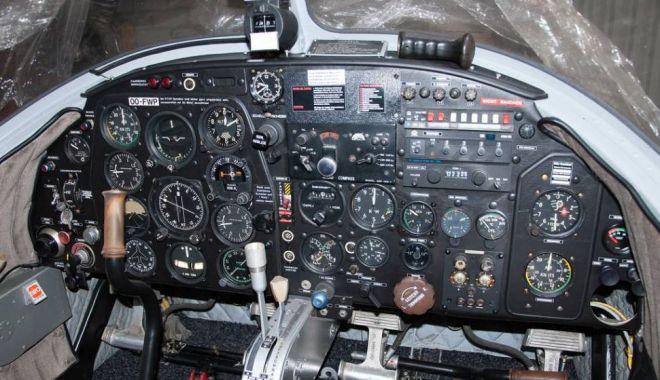 A servit în aviația militară germană, dar zace în hangar. Ar mai avea șanse de decolare? / GALERIE FOT0 - avion2-1540371879.jpg