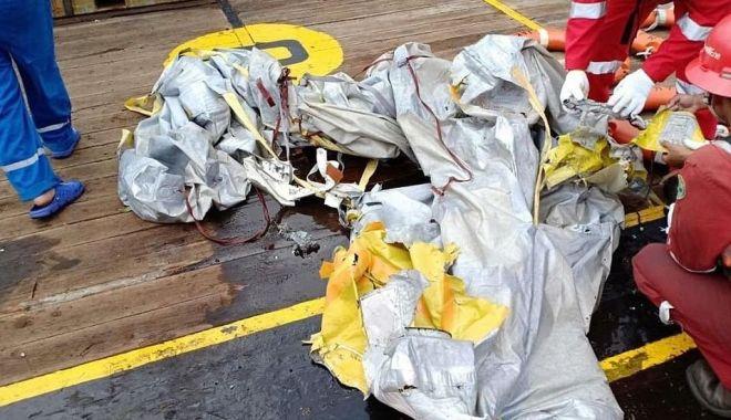 GALERIE FOTO / Avion cu 188 de pasageri, prăbușit în mare. Nu există niciun supraviețuitor! - avionprabusit2-1540797946.jpg