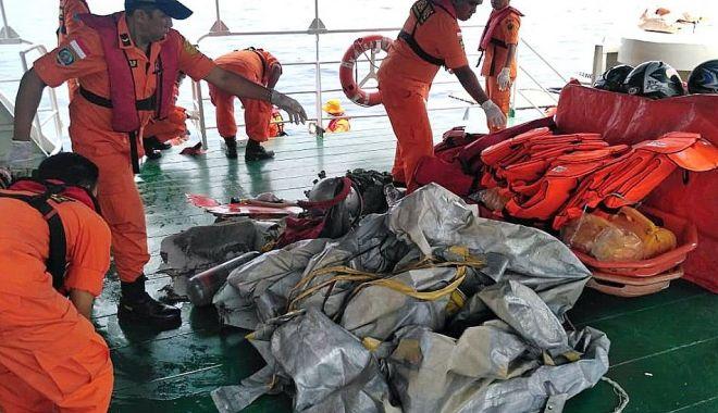 Foto: GALERIE FOTO / Avion cu 188 de pasageri, prăbușit în mare. Nu există niciun supraviețuitor!