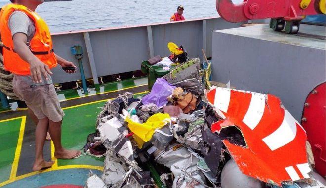 GALERIE FOTO / Avion cu 188 de pasageri, prăbușit în mare. Nu există niciun supraviețuitor! - avionprabusit9-1540797568.jpg