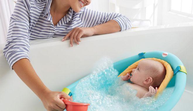 Foto: Baia copilului. Cât de caldă trebuie să fie apa din cădița celor mici