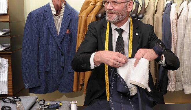 Bancherul la croitorie… - bancherul-1573680347.jpg