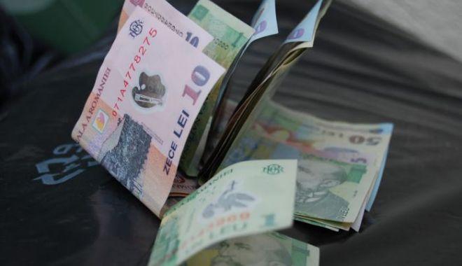 Salariul mediu brut în România s-a majorat cu un leu în iulie - banilei65708-1631257646.jpg