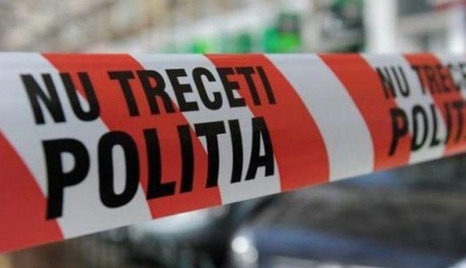 Foto: Bărbat găsit mort în mașină, în județul Constanța. Poliția, anchetă la fața locului. Cine e victima