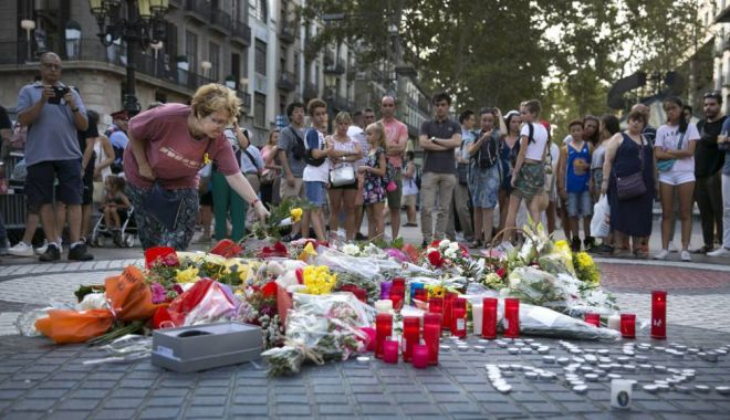 Foto: Barcelona a comemorat victimele atacului de pe La Rambla