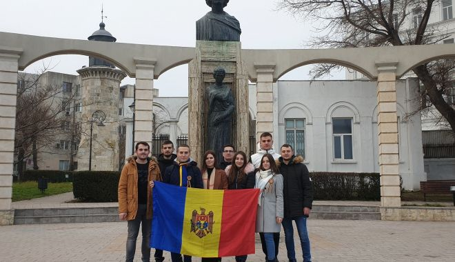 Foto: O nouă organizație dedicată elevilor și studenților basarabeni se înființează la Constanța