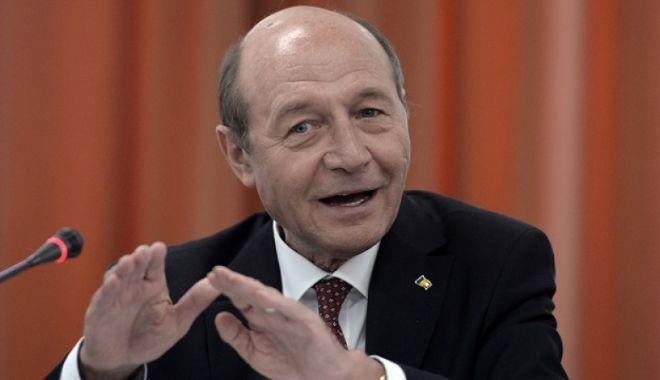 Foto: Este oficial ! Traian Băsescu candidează la Primăria București