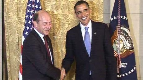 Traian Băsescu, în vizită la Washington - basescuobama08299800-1315660963.jpg