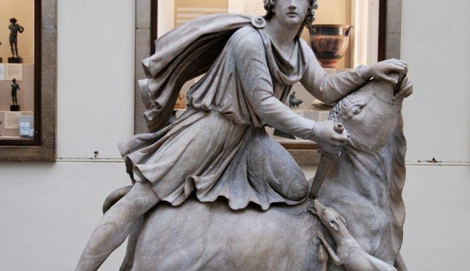Basorelief dedicat zeului Mithras la Muzeul de Istorie Constanța - basorelief1-1607873115.jpg