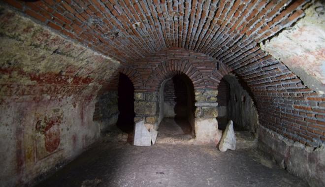 Ne lăsăm istoria să moară!  Bazilica paleo-creștină din Constanța,  veche de 1700 de ani, în paragină - bazilicaeminescu2-1499356048.jpg