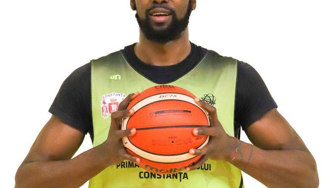 "Foto: BC Athletic a transferat un camerunez: ""uriașul"" Francois Affia"