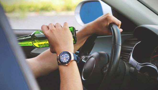 Șofer prins beat la volan de două ori într-o singură zi - beat-1589885414.jpg