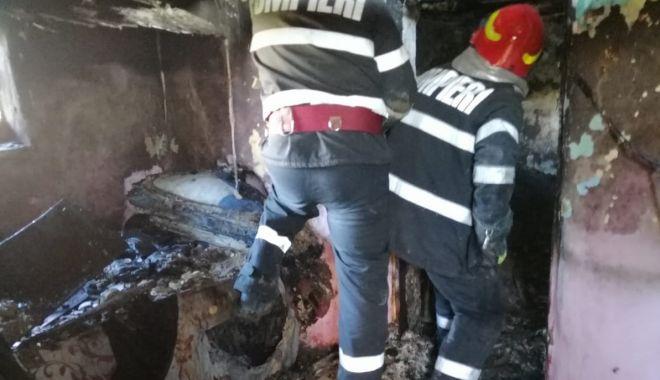Foto: Anchetă pentru ucidere din culpă după ce un bebeluș a fost ars de viu, într-un incendiu