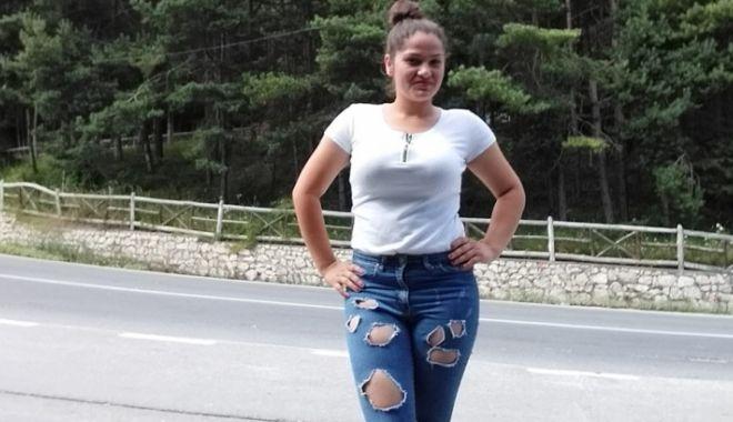 Foto: A murit tânăra care a căzut cu mașina pe Transfăgărășan