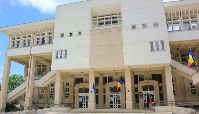 Foto: Biblioteca Județeană își redeschide porțile pentru cititori