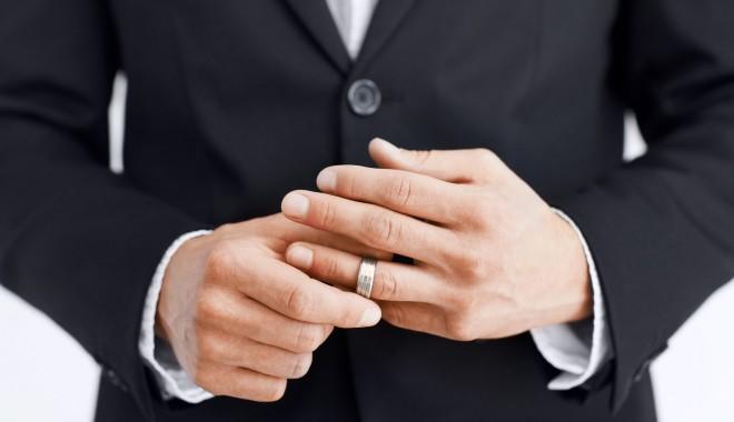 Foto: Bărbații căsătoriți, mai sănătoși decât burlacii