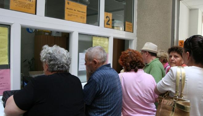 Foto: Pensionarii din Constanța se înghesuie să plece la tratament, la munte. În ce condiții se acordă biletele de odihnă