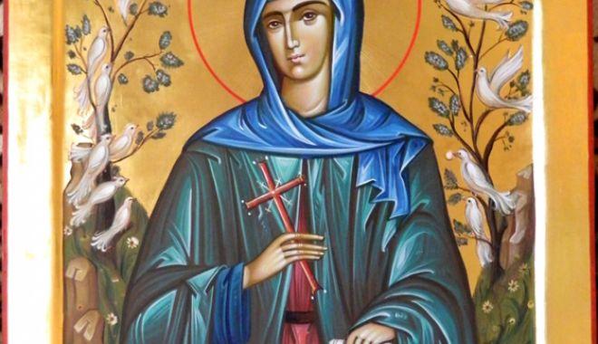 Foto: Credincioșii o sărbătoresc pe Sfânta Cuvioasă Teodora de la Sihla