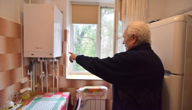 Tremură în case, în așteptarea branșamentului la gaze! - blocc5aleeapanseleigazecetralaga-1477323453.jpg