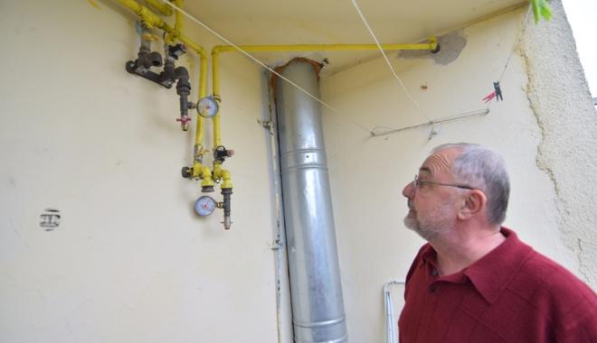 Tremură în case, în așteptarea branșamentului la gaze! - blocc5aleeapanseleigazecetralaga-1477323479.jpg