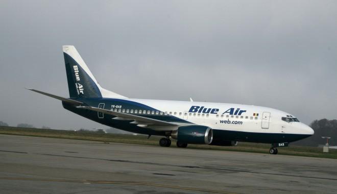 Compania aeriană low-cost Blue Air a fost scoasă la vânzare - blue-1365686180.jpg