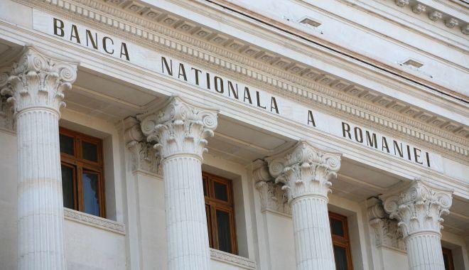 Foto: BNR dă un nou impuls creditării, pentru a sprijini redresarea economiei