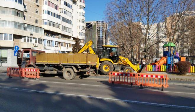 Foto: Borduri și pavele noi amplasate pe Bulevardul Tomis