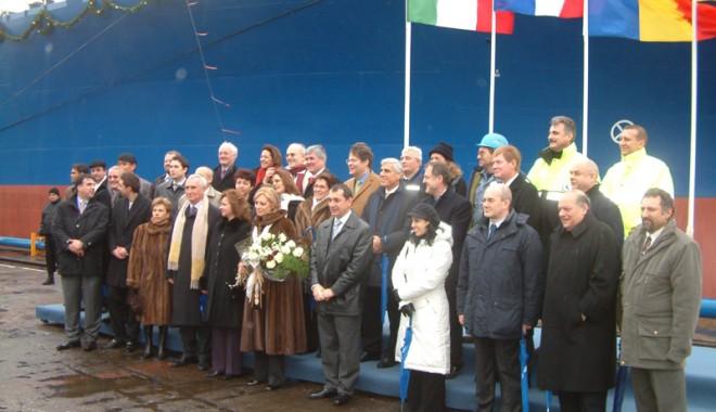 Un proiect 100% românesc și recunoașterea Șantierului Naval Constanța pe piața internațională - botezhistriaperla-1349287247.jpg