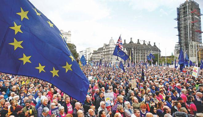 Foto: Brexit-ul, amânat cu trei luni, până la 31 ianuarie 2020