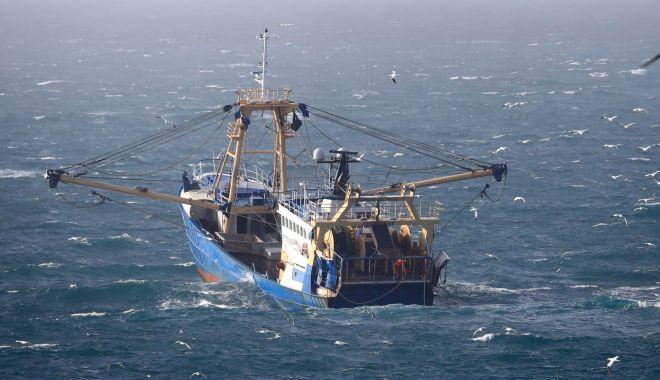 """Foto: Brexit. Le Drian: """"Pescuitul, o prioritate absolută"""""""