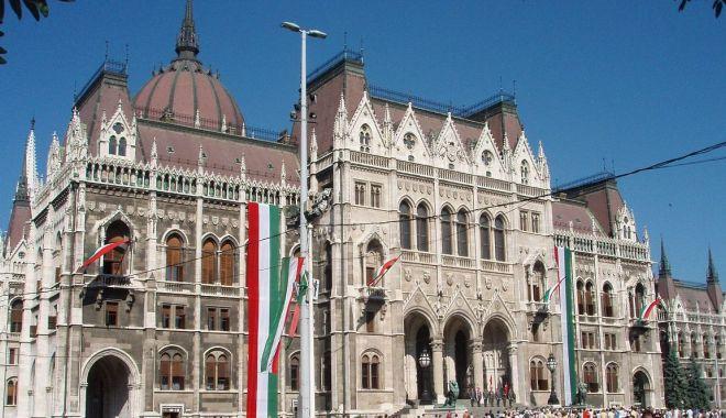 Budapesta va bloca în continuare aderarea Ucrainei la NATO - budapesta-1575596155.jpg
