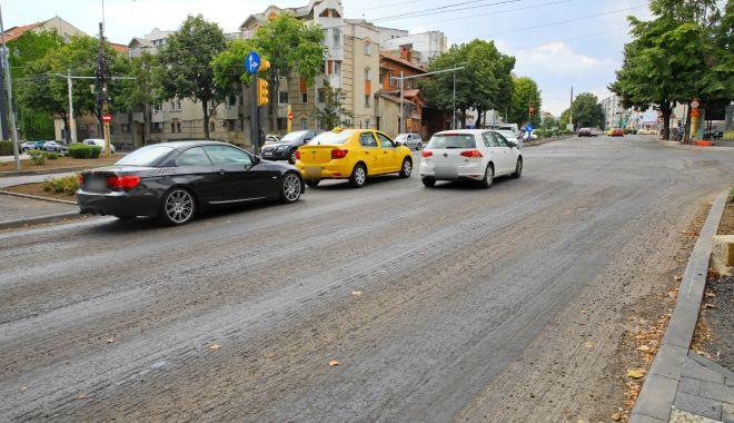Atenție, șoferi! Continuă asfaltarea carosabilului pe bulevardul Mamaia - bulevardulmamaia1-1597300876.jpg