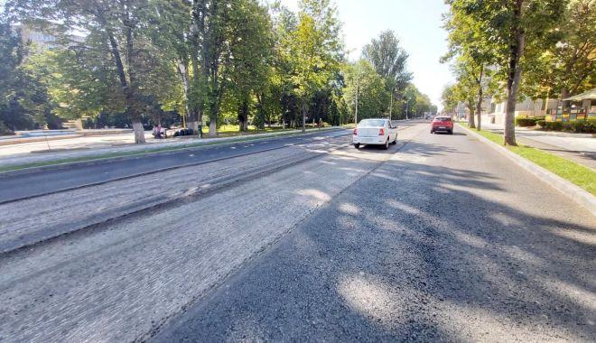Foto: Atenție, șoferi! Se asfaltează carosabilul
