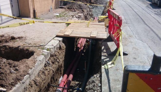 Cablurile aeriene de pe bulevardul Mamaia vor dispărea în scurt timp - cabluri12075-1562927542.jpg