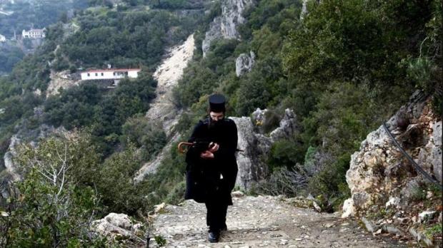 Foto: Călugăr român, moarte suspectă la Muntele Athos. Cum a fost găsit cadavrul